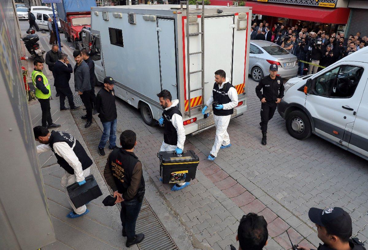 Olay Yeri Ekipleri aracın bulunduğu bölgede. Reuters