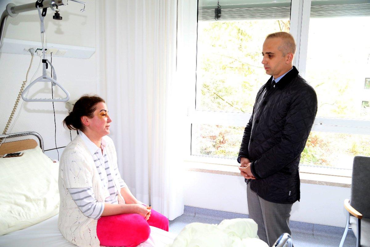 Saldırıya uğrayan kadınının tedavisi devam ediyor. AA