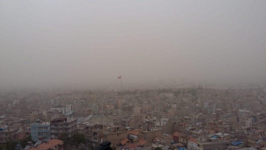 Şehrin üzerindeki toz bulutlarıu bu manzaranın oluşmasına neden oldu. İHA