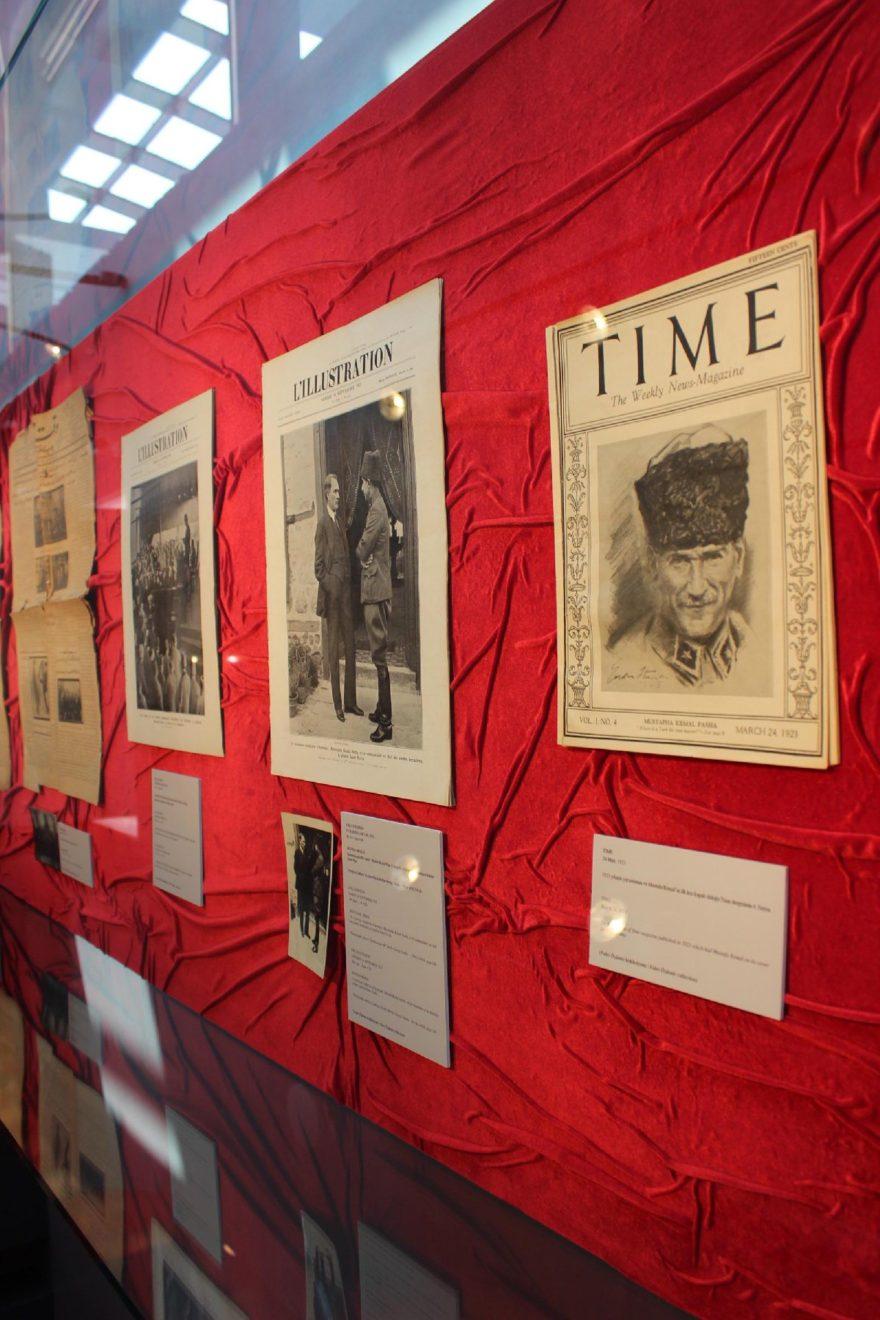 Sergide Atatürk'e ait birçok evrak ve eşya bulunuyor. DHA