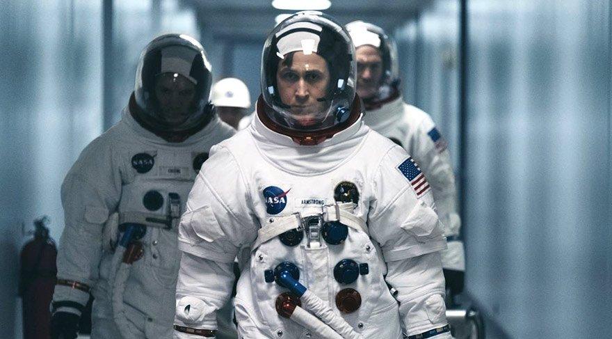 astronot Neil Armstrong'un hayatının 1960'lardaki dönemini konu alıyor. Armstrong'un 1969'da Ay'a ayak basan ilk insan olduğu yolculuğa giden süreçte hem NASA'da yaşananlar, hem de Armstrong'un özel hayatı ve eşi Janet'la ilişkisi filmde yer buluyor.