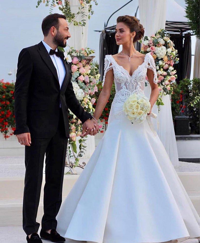 Bensu Soral Ve Hakan Baş Muhteşem Bir Düğünle Evlendi Güncel