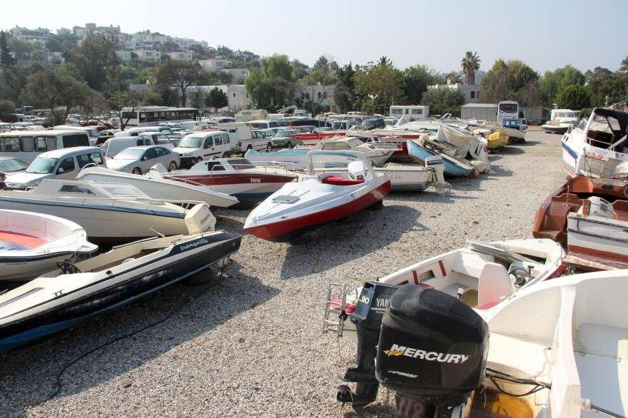 Gömen kaçakçılığında kullanılan tekneler. Foto: DHA
