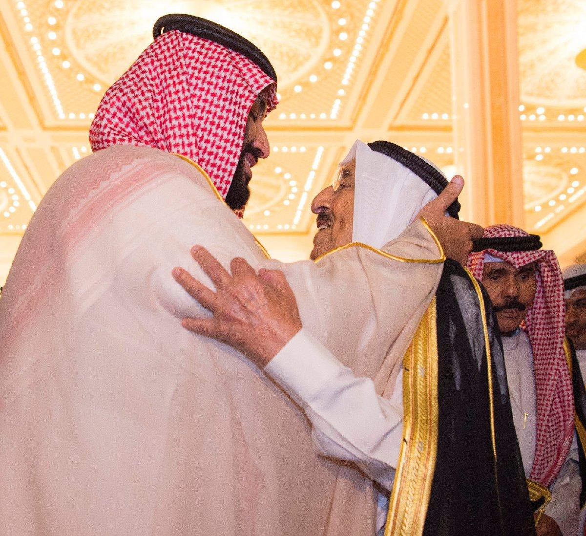 Kuveyt'te bir araya gelen iki isim samimi görüntüler verdi.
