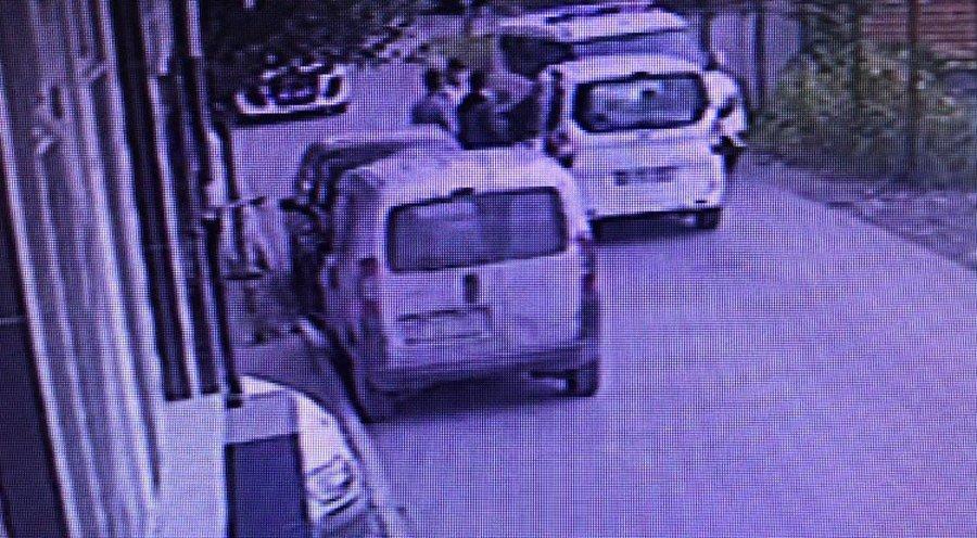 FOTO:SÖZCÜ - Çocukların gözaltına alınışı çevredeki bir binanın güvenlik kamerasına böyle yansıdı.
