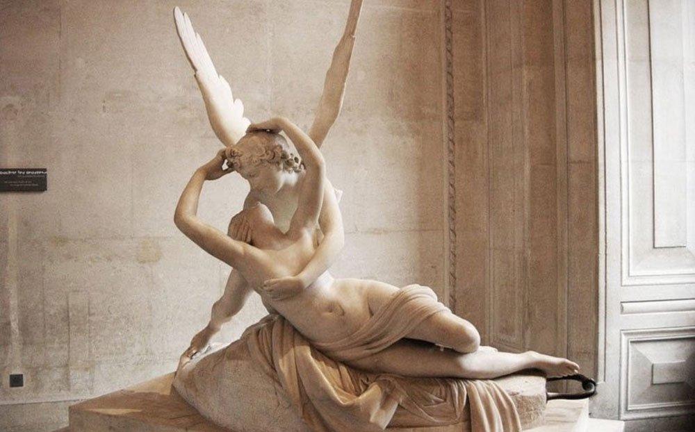Louvre Müzesi'ndeki Eros ve Psyche