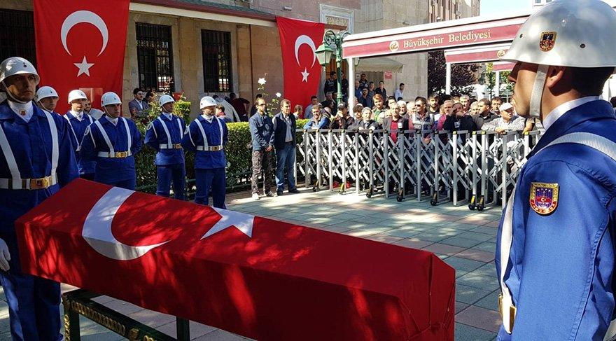 Eskişehirli Jandarma Uzman Çavuş Neşet Gök'ün cenazesi memleketinde son yolculuğuna uğurlandı. Foto: İHA
