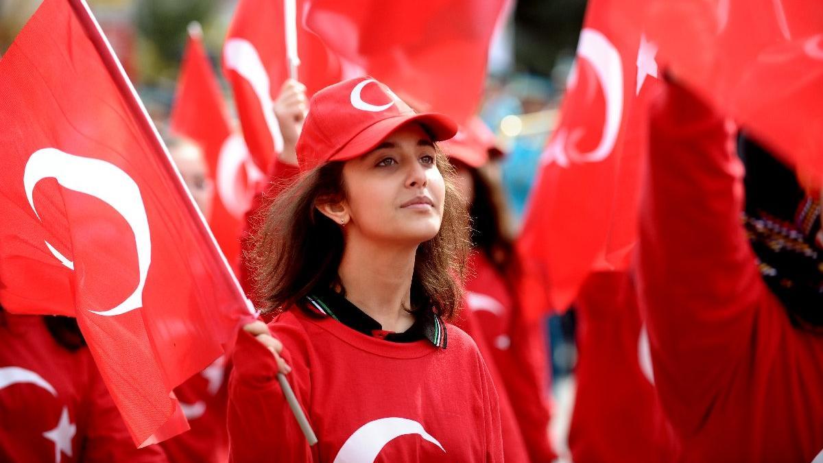 İstanbul valiliğinden 29 Ekim açıklaması geldi! 29 Ekim Cumhuriyet Bayramı tatil mi?