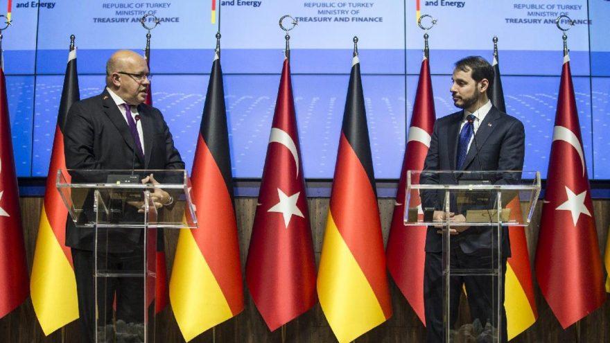 Alman bakan 'eyvallah' dedi Türkiye'den ayrıldı