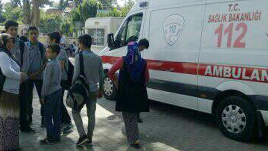 Aşı reaksiyonu nedeniyle 40 öğrenci hastaneye götürüldü