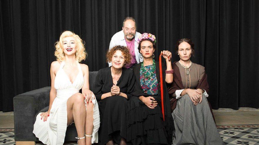 Marilyn Monroe, Edith Piaf, Virginia Woolf ve Frida Kahlo aynı sahnede
