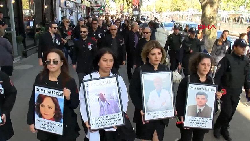 Öldürülen doktor için 'Siyah Çığlık Yürüyüşü'