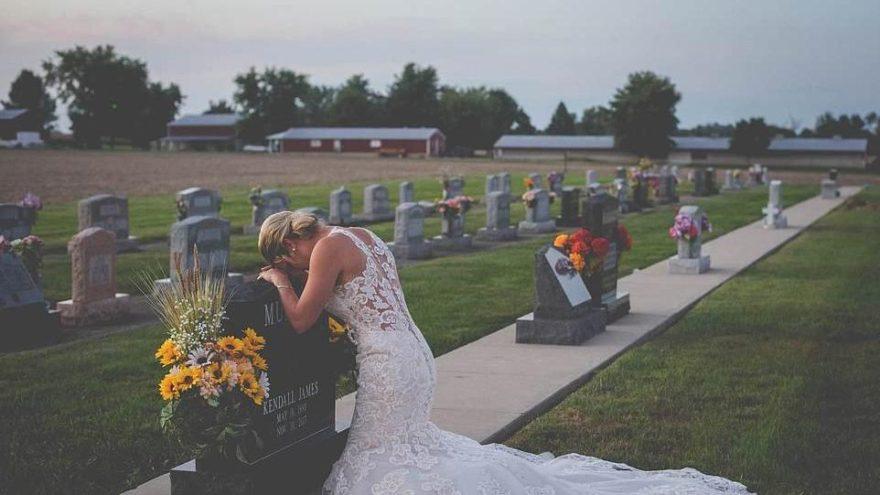 En acı fotoğraf… Düğün gününde yanına koştu