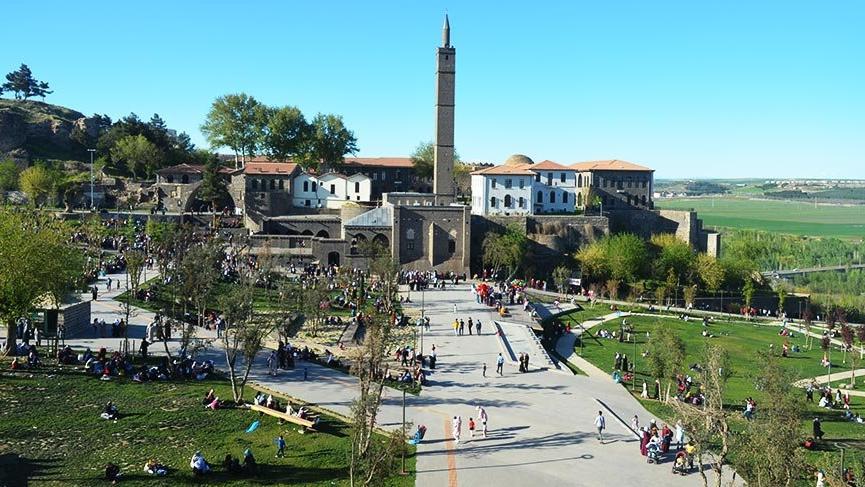 Diyarbakır'da tarihe yolculuğun adresi İçkale