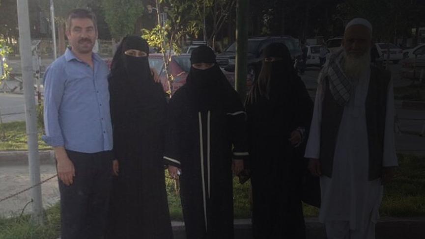 İlk görüşte aşık olduğu Afgan eşini Türkiye'ye getiremiyor