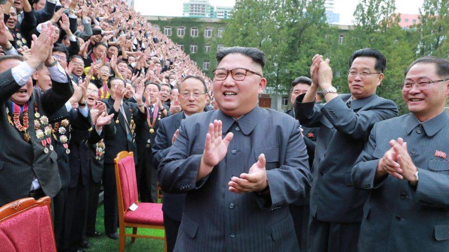 Kim'den Papa'ya şaşırtan davet