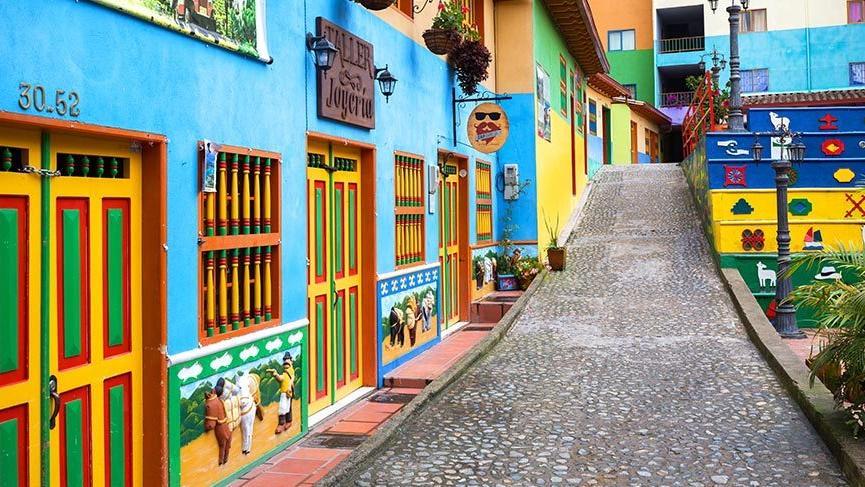 Dünyanın en renkli kasabası: Guatape