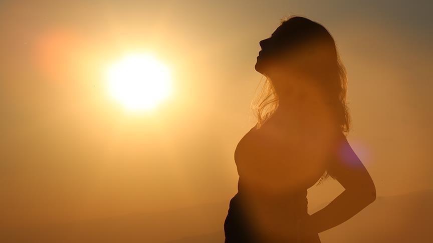 'Yüzümüzdeki kırışıklıkların yüzde 80 sebebi güneş'
