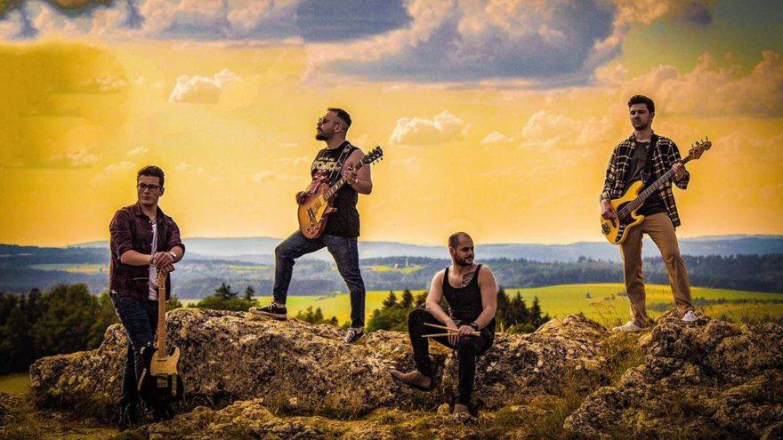 Kolik Band'den yeni single: Özledim
