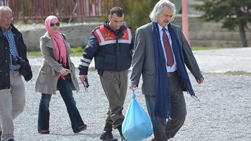 Topkapı Sarayı'ndaki tahtı lojmanına taşıyan müdür görevden alındı
