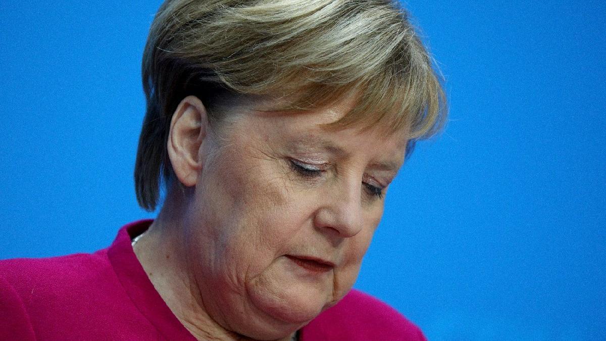 Son dakika... Merkel resmen açıkladı: Bırakıyorum
