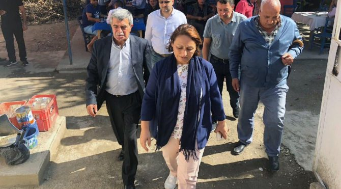 CHP'li Şevkin Adana sokaklarında