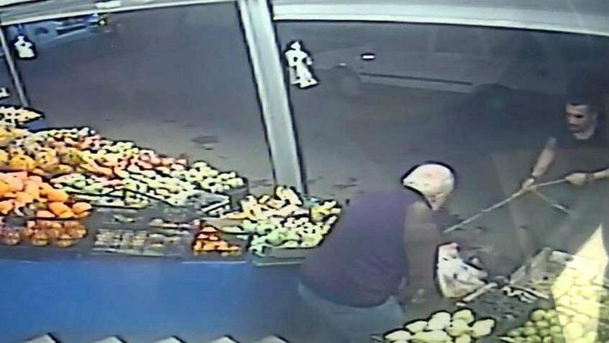 Market çıkışı 2 Pitbull'un saldırdığı emekli yaralandı