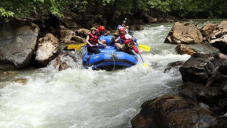 Raftingcilerin yeni gözdesi Zamantı Irmağı