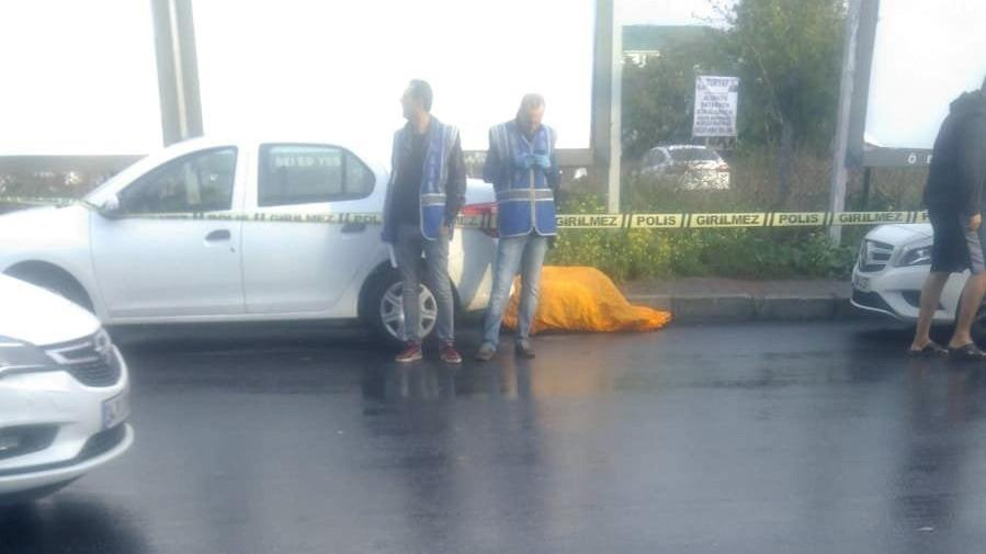 Bakırköy'de sokakta erkek cesedi bulundu