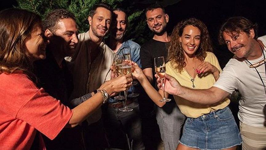 Seda Bakan yeni yaşını sette kutladı