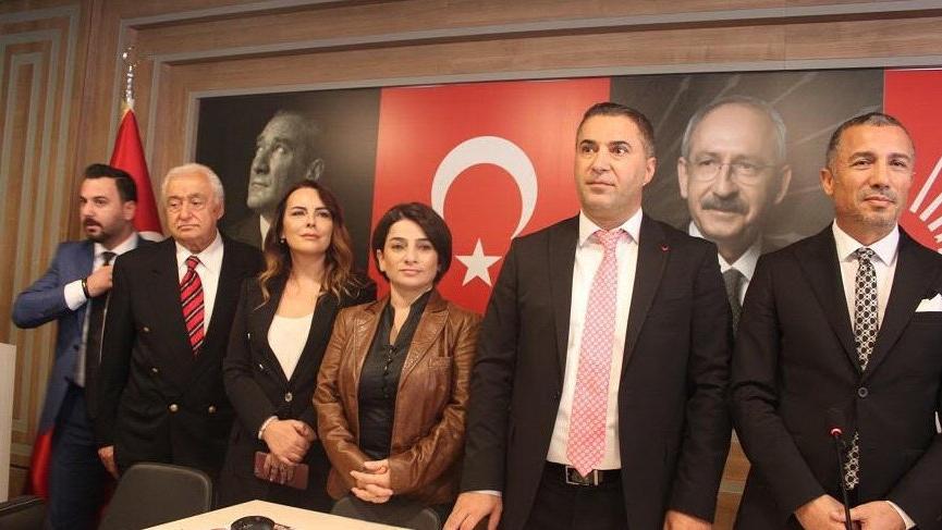 Seren Fosforoğlu siyasete adım attı