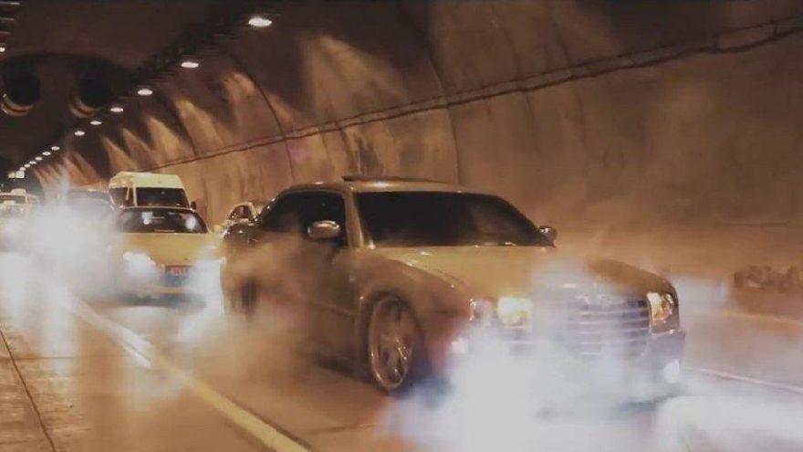 İstanbul'da tüneli kapatan lüks otomobilli magandalar terör estirdi