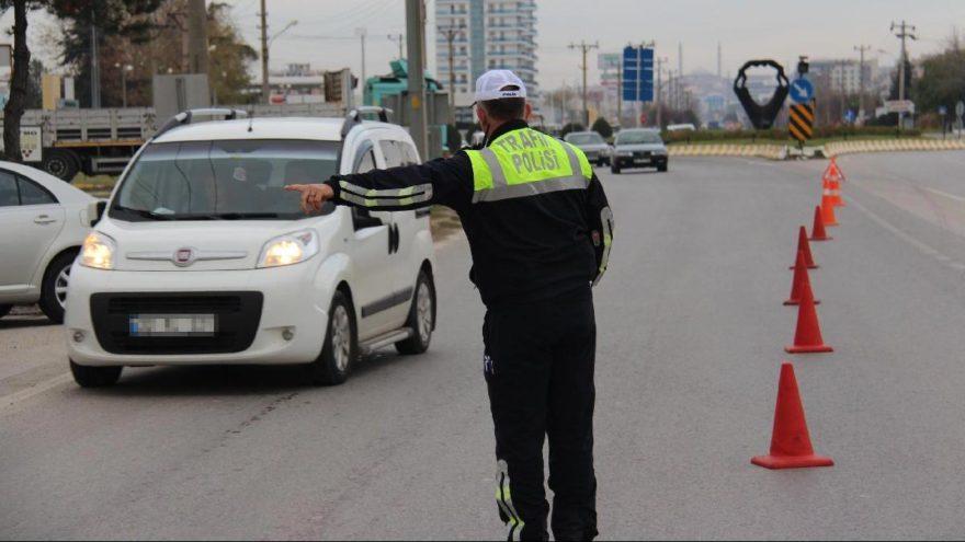 Uymayan yandı! İşte yeni trafik cezaları…