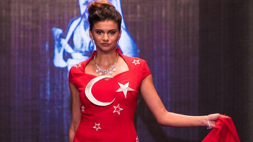 Türk bayrağı bu kez farklı dalgalandı