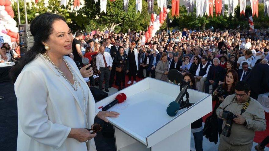 Türkan Şoray'ı ağlatan açılış… Hayatının en mutlu anını yaşadı