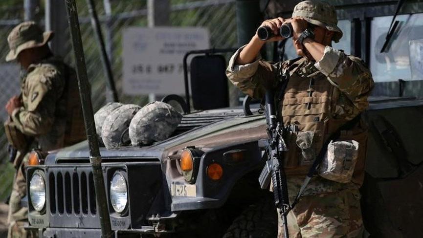 ABD askerleri Meksika sınırına doğru harekete geçti