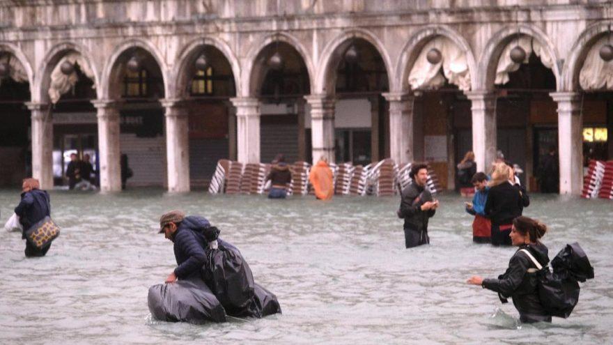 Venedik'te korkutan manzara… Böylesi yıllardır görülmemişti