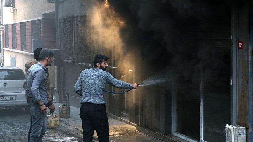 Son dakika... İstanbul'un turistik semtinde yangın paniği!