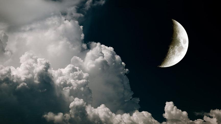 Terazi burcunda Yeni Ay