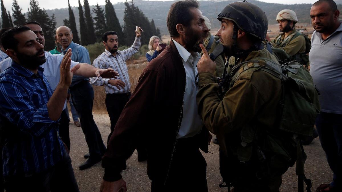 İsrail zulmü bitmiyor... Filistin'de liseyi kapattılar, ortalık karıştı
