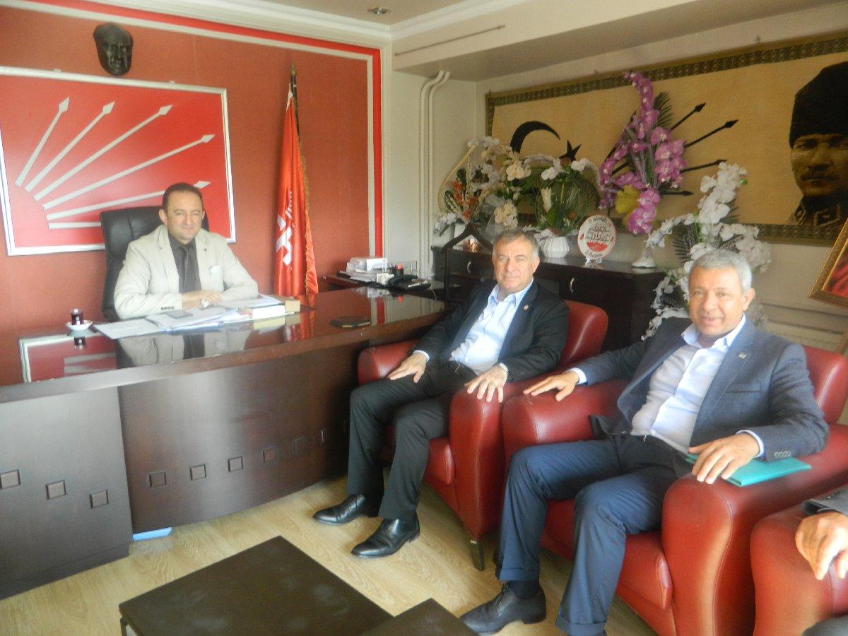 katilan-chp-konya-il-baskani-baris-bektas-chp-parti-meclisi-uyesi-ve-istanbul-milletvekili-gokan-zeybek-ve-chp-adana-milletvekili-orhan-sumer-birlikte-foto