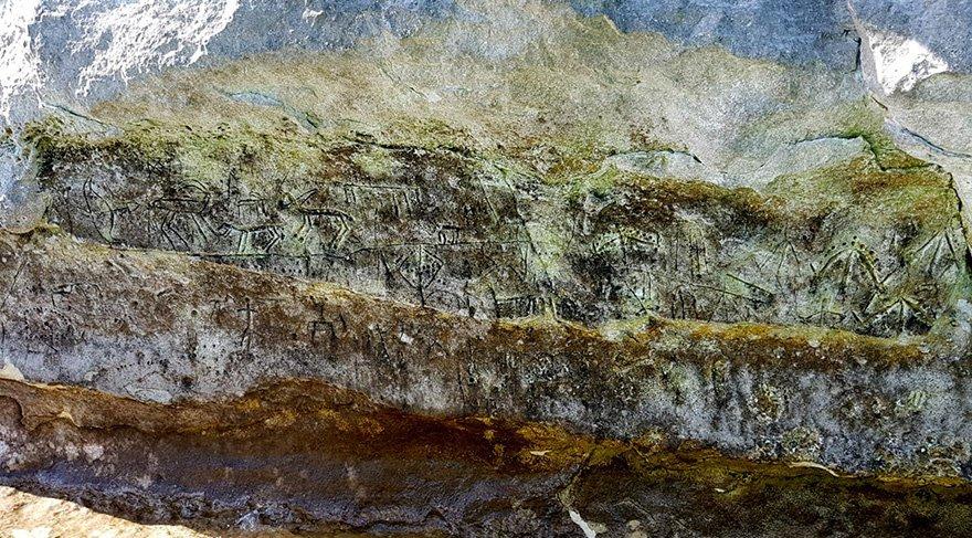 Atatürk Barajının Adıyaman'ın Kahta ilçesindeki kısmında Paleolitik Çağ'a ait kaya resimleri balıkçılar tarafından bulundu. Foto: İHA