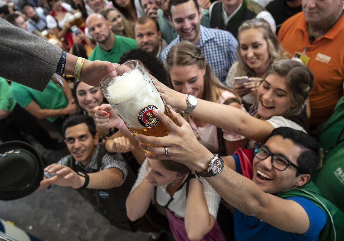 Almanya'da her yıl Oktoberfest isimli etkinliği düzen organizatörler, yeni teknolojik atılımlardan dolayı kuraklıktan çok etkilenmeyeceklerini iddia etti.