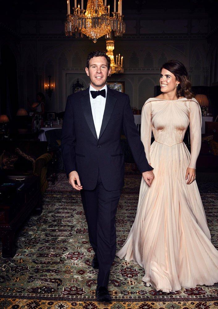 Nikah sonrası verilen resepsiyona ise ABD'li tasarımcı Zac Posen imzalı bir elbise ile katıldı.