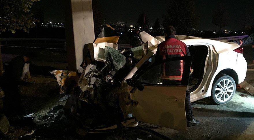 Başkentte Ankara Bulvarı'nda meydana gelen trafik kazasında aynı aileden 4 kişi hayatını kaybetti. FOTOĞRAFLAR:AA