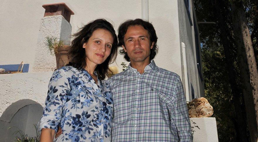 İmam Tüzer Romanya vatandaşı eşi ile birlikte. Foto: DHA