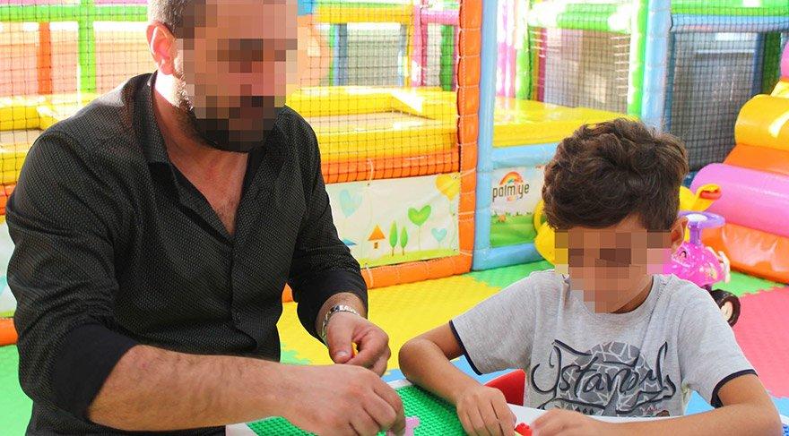 Servise alınmayan küçük çocuk göz yaşlarına boğuldu. İHA