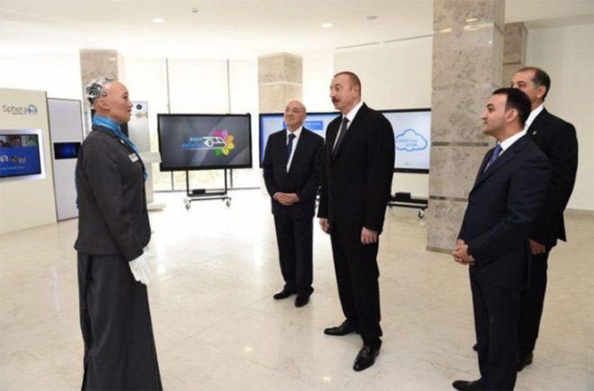 Sophia'yı Aliyev'le de bir araya geldi.