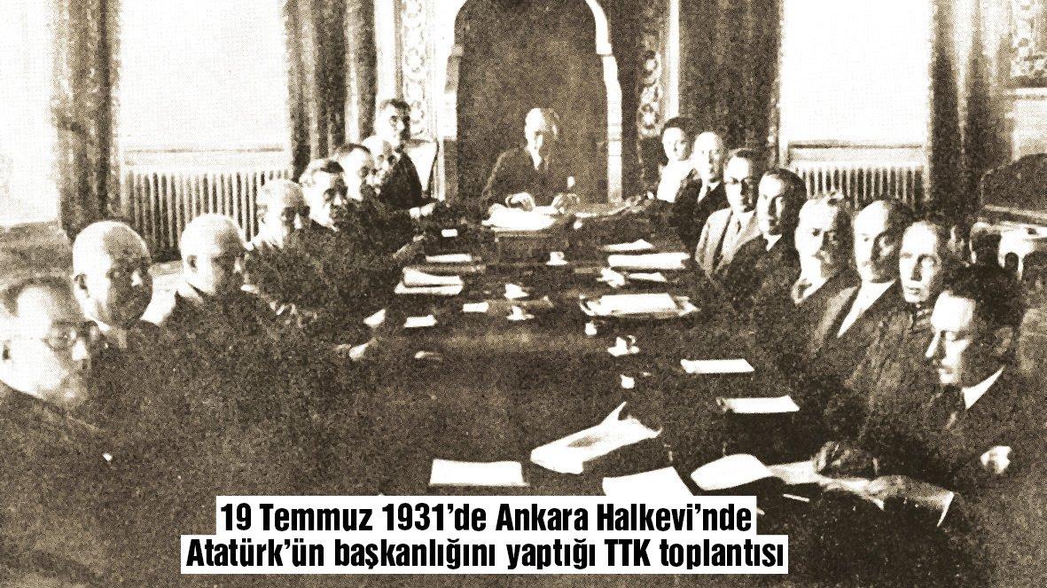 ATATÜRK'ÜN DİREKTİFİYLE KURULDU Mustafa Kemal Atatürk 1931'de direktifiyle kurulan TTK'nın başkanlığını vefatına kadar sürdürdü. Kurumun maddi sıkıntılar yaşamaması ve Türk Tarihi'ne verimli hizmet edebilmesi için de İş Bankası'nın gelirlerinden TTK'ya para aktarılmasını vasiyet etti.