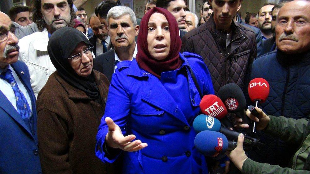 """FOTO:DHA - Gülefer Yazıcıoğlu, Mustafa Destici'ye """"Git buradan"""" diye bağırmıştı."""